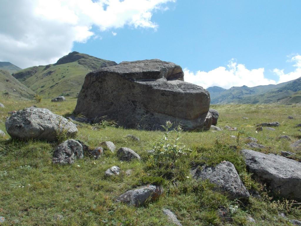 Необычные мистические камни места силы
