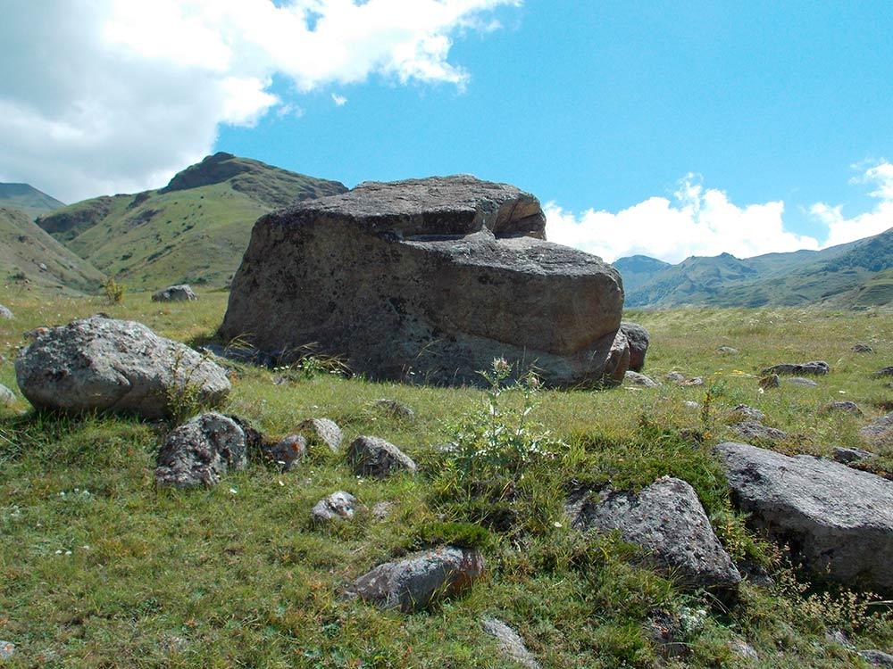 Необычные мистические камни кавказа