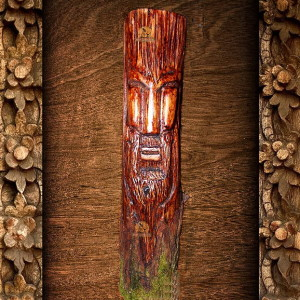 истукан из дерева