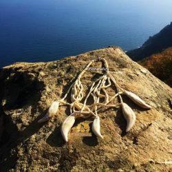 ожерелье клыки медведя аю даг